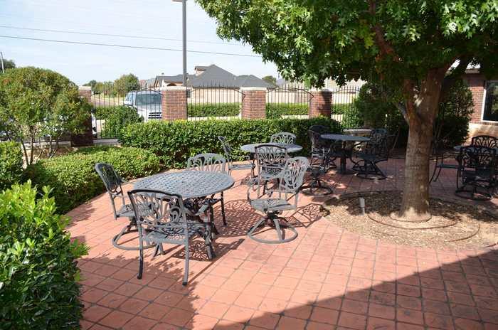 http://westmarkcommercial.s3.amazonaws.com/production/photos/images/11855/original/exterior_5.JPG?1509481486