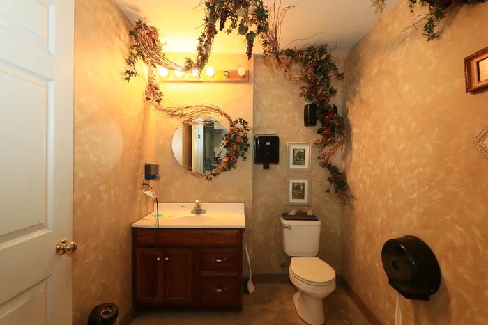 http://westmarkcommercial.s3.amazonaws.com/production/photos/images/12066/original/IMG_5715.JPG?1516634689